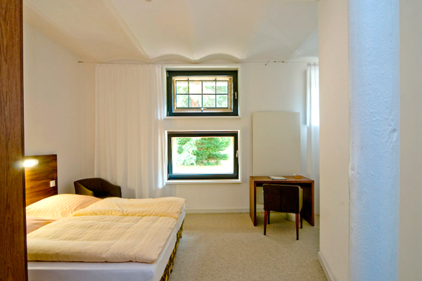 Domänenscheune, Blick in ein Zimmer, Kloster Drübeck